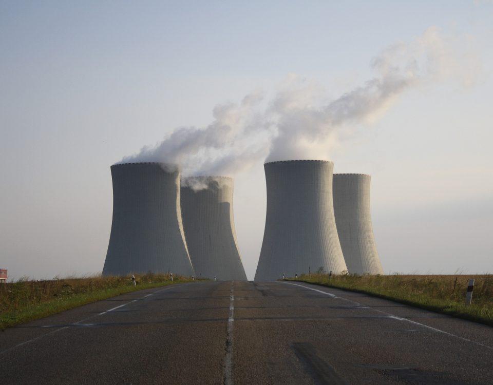 nuclear-power-plant-744424_1920